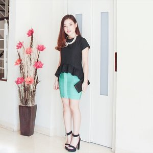 Black and green for Wednesday's outfit! Top from @eclaircollection | Necklace from @bymada_ #outfitoftheday #clozetteid