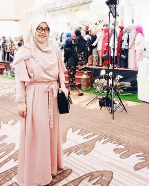 Yesterday outfit as one of the #bridesmaids.•••Scarf: Leaf Veil by @missmarina.id Bridesmaid dress: custome made by @desireesworkshop•••#tapfordetails #fashionmodesty #hijabfashion #hijabootdindo #ootd #ootdindo #lookbookindonesia #lookbook #chestcoveringhijab #hijabinspiration #outfitideas #ClozetteID #bridesmaiddress