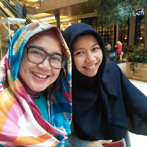 Can't get enough #wefie and not Wafiiy yaaaa, hihi. 😆😆😘😘 #clozetteid #starclozetter #clozettehijab #bff #20yearsandcounting #girlfriend #hijablook