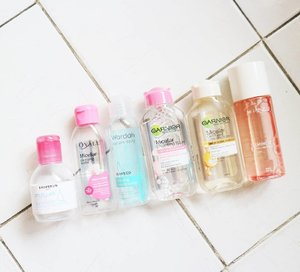 Do you notice a familiar micellar water / cleansing water that you love in this picture? Which one is your favorite? For me, I've tried more than 10 brands micellar water/ cleansing water. It starts from the expensive one and famous like Bioderma and Avene to the local but worth to try like Ovale or Pixy. Or the Asian one like The Saem or Bifesta. In my opinion, they do the same. They are water based cleanser for removing your makeup. But sometimes they work for your skin, sometimes they aren't.  and from the current  cleansing water that I have here. Only three products that works without giving uncomfortable feeling which are Garnier ( both pink and yellow) and Ovale.. for Brunbrun, Wardah and Mizzu. Unfortunately, they left residu feeling that sometimes sticky 😳 but they don't iritate my skin at all... . . . . . . . . . #ellskincare #micellarwater #cleansingwater #abcommunity #potd #instabeauty #koreancosmetics #rasasianbeauty #bblogger #koreanskincare #clozetteID #kbeauty #skincare #skincareroutine #glowingskin #skincareaddict #flatlays #bloggerceria #slaytheflatlays #picoftheday #canon #beautyblogger #lifestyleblogger #bloggerperempuan #like4like #lifestyleblogger
