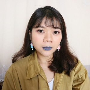 Biar ga dikira kalem, so I bring back the blue lipstick ✌💄Disini, mostly #makeup matanya pake @mizzucosmetics dari eyebrow, eyeshadow, eyeliner dan eyelashes 😁 lagi suka banget sama brand lokal ini karena kualitasnya bagus ................#clozetteid #instabeauty #motd #fierce#bluelips #potd #lookbook #ootd #fotd #clozetteid #얼짱 #셀피 #picoftheday #bblogger #lifestyleblogger #sunnyday #f4f #dailylife #bloggerstyle #photography #like4like #canon #20likes #clozetter #bblogger #prettyinstyle #outfitoftheday #lookbookindo #lookbookindonesia #fashion