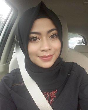 Senyumin aja semuanya 😊😊.#selfie #nonahikaru #clozetteid #clozetteambassador #instalike #blog #blogger #beautyblogger #like4like #natural  #makeupnatural #makeup #makeupaddict #monday #happy #bandung