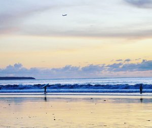 Your wings already exist. All you have to do is fly🛩 #fly #airplane #sunset #twilight #beach #beachsand #sky #skyporn #bali #Indonesia #PesonaIndonesia #wonderfulIndonesia #traveling #traveler #travel #nature #naturelovers #photooftheday #pictureoftheday #photography #photographer #clozetteid