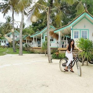Throw back. Enjoy my getaway 😍 #bestvacations #gilitrawangan #lombok #lombokituindah #getaway #holiday #trip #travel #traveler #resort #beachclub #bicycle #bike #island #white #ootd #ootdindo #whitedress #terrace #clozetteambassador #clozetteid @clozetteid #fashion #lifestyle