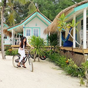 Enjoy my getaway much!! That's my room!  But I want to ride my bike first around the island~ #bestvacations #gilitrawangan #lombok #lombokituindah #getaway #holiday #trip #travel #traveler #resort #lepirate #beachclub #bicycle #bike #island #white #ootd #ootdindo #whitedress #terrace #clozetteambassador #clozetteid @clozetteid