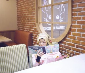 To breastfeed is to give happiness by creating and producing happiness 🤱🏻🤱🏻🤱🏻.One of the things that make me happy : eating cute food in cute places 😋🤤🍫🍰🍩🍮🍭🥧🍪🍦🍨 @chinchilla_id