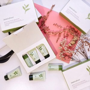 #GIVEAWAY Alert ft. @innisfreeindonesia 🍃 we're giving out five travel size Greentea Fresh Special kit set to try out before their official relaunching soon next month. Any Greentea fan here? 🍵 . . HOW TO JOIN: - Follow @innisfreeindonesia & Me (@steviiewong) - Write down in the comment section why you want to try this Greentea kit  and TAG three (3) of your friends to join this giveaway too. - Subscribe to my YouTube channel www.youtube.com/steviewong (don't forget to screenshot that you've subscribed to my channel, you'll need to send me the screenshot if you happen to win to claim your prize) . . That's it you've successfully entered my #StevieBirthdayGiveaway !! ❤️ make sure to follow all the steps properly. Looking forward to see your entries ❤️😊❤️😊 . . . . #giveaway #giveawayindonesia #giveawayindo #flatlay #shotbystevie #collabwithstevie #innifriends #innisfreeindonesia #tampilcantik #wakeupandmakeup #clozetteid #clozette #greentea