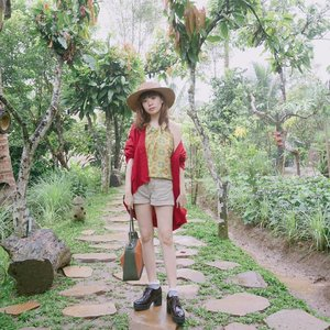 🌴🍃🌿 Island mode, time here is so relaxing and soothing for the soul 💕.... ..... #styleblogger #vscocam #beauty #ulzzang  #beautyblogger #clozetteid #clozette #whatiwore #lookbook #fashionpeople #fblogger #blogger #패션모델 #블로거 #스트리트스타일 #스트리트패션 #스트릿패션 #스트릿룩 #스트릿스타일 #패션블로거 #bestoftoday #style #cgstreetstyle #l4l #ggrep #ootd  #makeup #bblogger