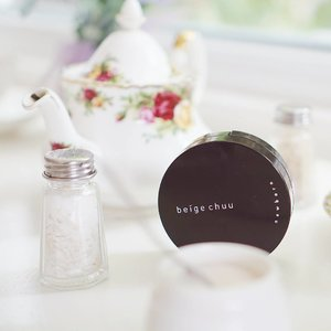 """[Short Review]  Hi guys! Another go-to cushion from @beige_chuu it's the Newborn Cushion Foundation  it is great for D.O Skin What's D.O skin? It means """"Dehydrated Oily Skin"""" with a feeling of excessive tightness and dryness underneath  I have D.O skin!  my skin looks oily but feels tight, and it turns greasy throughout the day on forehead and nose area  what this cushion did to my skin?  It minimized my pores, as I'm poreless 💖 (medium~full coverage) Smooth and powdery finish 💖 Lasts long even after 7 hours (mostly outdoor activities) 💖  It says only natural ingredients are used to treat D.O skin! Hydrolyzed Collagen(hydrates skin) , Sea Water (fights aging and hydrates skin inside out) , Niacinamide (whitens skin and prevents skin darkening)  Buy now at https://hicharis.net/mariaistella96/14t or just simply click the link on my bio 🙈 @charis_official  #CHARIS #CHARISCELEB #SEOUL #beigechuu #newborncushion #newborncushionfoundation #stellasreview #clozetteid #베이비츄 #쿠션파운데이션 . . . . . #beautyblogger #beautycare #beautyqueen #beautyblog #makeupaddict #makeuplover #makeupforever #makeupbyme #makeupoftheday #makeupgeek #beautyguru #beautyproducts #beautytips #뷰티블로거 #셀카 #셀피"""