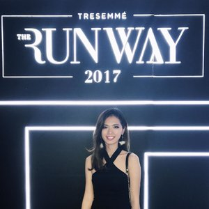 Last weekend attending @Tresemmeid Runway 2017. A lot of fun meeting all of the glamorous girls with their #Runwayreadyhair . See you on TRESemmé Digital Face next year 💖 . . . #tresemmesquad #tresemmerunway #clozetteid
