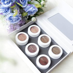 This is not my first super shock shadow @colourpopcosmetics and I really love the color, texture & staying power 😍 Can't wait to try them! I will review on my blog so stay tune... #colourpop #makeup #clozetteid #beauty #fdbeauty #beautyblogger #beautybloggerid #beautyinfluencer #beautybloggerindonesia #bloggerslife #like4like #lifestyle #lifestyleblogger #bestoftheday #makeup #instadaily #indovidgram #indobeautyblogger #bloggerceria #kbbvmember #indonesianfemaleblogger #ibb #colourpopsupershockshadow #colourpopcosmetics