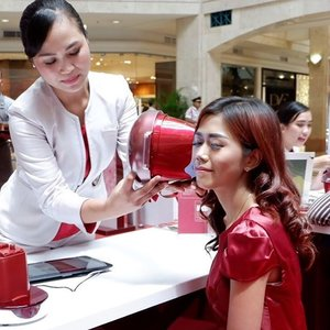 Attending @femaledailynetwork & SK-II Sakura Party at Atrium @plaza_senayan . #ChangeDestiny #SKII #SKIIGifts #FDxSKII #FemaleDaily #fdbeauty #motd #bestoftheday #beauty #blogger #bloggerslife #beautiful #instagood #fujifilm #terfujilah #indonesianbeautyblogger #clozetteid #makeup #l4l #like4like #lifestyle #lifestyleblogger
