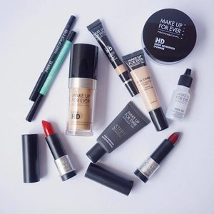 All I need for makeup of the day 💄  #makeup #makeupforever #beauty #blogger #beautyblogger #beautybloggerid #bestoftheday #clozetteid #lifestyleblogger #like4like #lifestyle #lipstick #makeupaddict #makeupoftheday #photooftheday