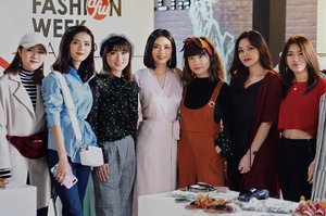 From yesterday's event, attending @pomelofashion Exclusive Lunar New Year Collection Launching at @plaza_indonesia with @clozetteid ❤️ . There are over 50 styles in modern and feminine look, incorporating floral and oriental ornaments that would totally perfect for upcoming Lunar New Year! Also there was a styling session with @olivialazuardy shared about her personal style and how she mix and match the outfit from @pomelofashion Lunar New Year Collection (more on my IG stories) #pomelolunarnewyear #clozetteid