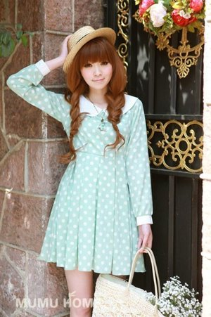 soft light green polkadot