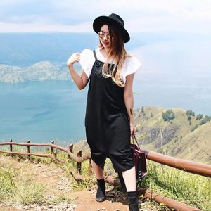 My boots was cut in the shot, but who care since the view is so breathtaking 😊🍃🏔, This is Indonesia 🇮🇩✨#TRYPOMELO • •@lookbookindonesia • •@ootdindo • •@gogirlmagzstyle • • • • • • • • • • #clozetteID #fashionblogger #potd #ootd #medanbeautygram #l4l #veronycastylediaries #lookbookindonesia #ootdindo #followforfollow #blogger #likeforlike #vsco #vscocam #wiwt #outfitinspo #ootdmagazine #indonesia #photography #fblogger #fashionstyle #indofashionpeople #streetstyle #styleblogger #ggrepstyle