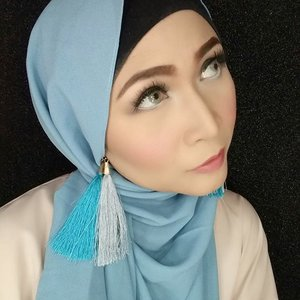 #makeupbyedelyne #hijabbyedelyne #makeupoftheday #hijabstyle #makeuplooks #makeupmuslimah #makeup #hijabfashion #clozetteid#starclozetter