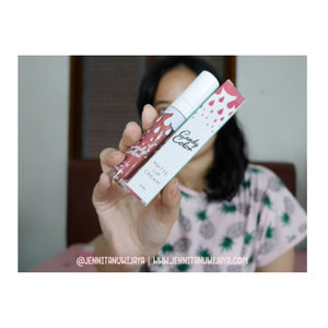 Here's the secret to pretty pinkish natural everyday lips of mine! Local brand lip cream from Bandung, @candycolorcosmetics in peanut. This suits medium skin (all of their collection are safe color, so it suits your everyday needs). Transferproof after it sets on my lips! Byebye touch up :3 full review available on my blog www.jennitanuwijaya.com #jenntanshortreview .........#clozetteid #ggrep #LYKEambassador #jenntan #jennitanuwijaya #beautynesiamember #kbbvmember #beautiesquad #beautyinfluencerjakarta #bloggermafia #indonesianfemaleblogger