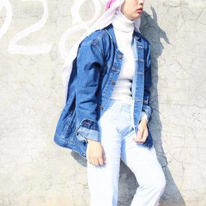 Denim is a love that never fades.Jeans oversize from @genetic.id ❤️.....#clozetteid #starclozetter #ootd #denim #ootdindo #ootdfashion #hijabootdindo #hijabfashion #hijab #ggrep #cgstreetstyle #tumblrpost #tumblrgirl