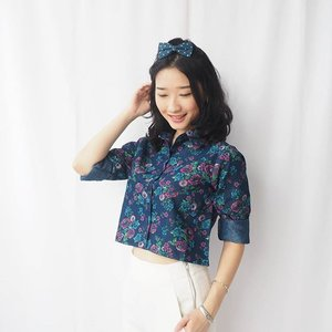 Flower and crop top, I am ready for spring.. :) Top @caselle  #ClozetteID #ootd #me#girl#selca#asian#woman#likeforlike#lfl#like#fashion#outfit#croptop#flower#lookbook#photo#outfitoftheday#humpday