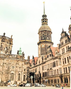 The city of Dresden Should I go to this place? Lensed by @olivialazuardy .  Check out myculinarydiarycom.wordpress.com for more awesome post! Link is on my bio and my Zomato/Jessica Sisy or Pergikuliner/Jessica Sisy for more food reviews #sisyeatingdiary #clozetteid . . . . . . #dresden #germany #wisata #travel #igtravel #travelgram #buzzfeed #photography #holiday #turkey #turkiye #cappadocia #kapadokya #europe #dubai #photography #photooftheday #foodoftheday #cakedecorating #photoshoot #fujifilm