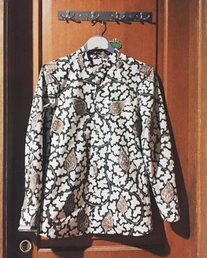 Guess I'm not that bad for a beginner. #clozetteid #fashiondesigner #fashiondesignerslife #fashiondesignerindonesia #fashionpeople #Batik #batikindonesia