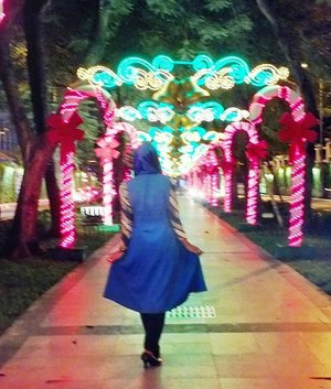 ALLAH always has something for you, a key for every problem, a light for every darkness, a relief for every sorrow and a plan for tomorrow... Keep spirit and never give up !!! . . . #keepspirit#blurrypic#colourlight#inthepark#park#taman#photooftheday#clozetteid#hotd#ootd#ootdhijab#outfitoftheday#imwearing#style#hijabstyle#everydaymadewell#hijab#mystyle#myoutfit#hijaboftheday#instastyle#todayimwearing#fashion#streetstyle#fashiondaily#lifestyle#selfie#selfmade