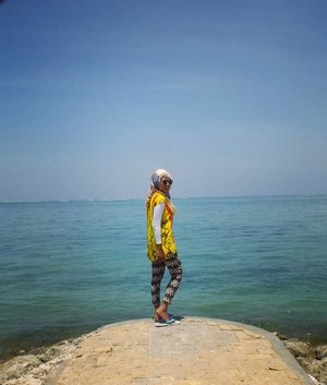 Lilin mana lilin...😂😂 nungguin om Goblin . . . #happy#holiday#instaholiday#wonderfulindonesia#wonderful_places#wonderfulplaces#beach#beachlover#inthebeach#nature#naturephotography#mytripmyadventure#indonesiaview#exploreindonesia#smile#selfie#traveler#hijabtraveler#hijabstyle#pesonaindonesia#liburan#pantai#bali#explorebali#kdramalovers#goblinscene#clozetteid