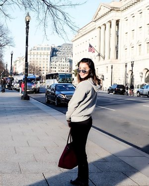 Your vibe attracts your tribe! . . #goldenhour #potd #lotd #clozetteid #angellittleadventure #washingtondc #streetstyle #ootd #casualwear #postthepeople #fashionlookbook #urbanstreetstyle #hoodieseason #tbt #throwback  #whenindc