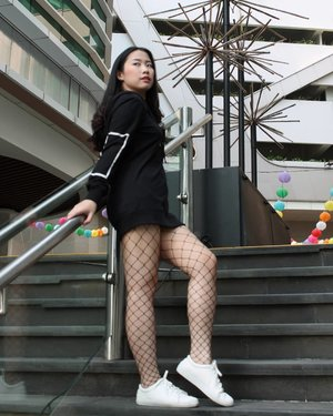 s.e.r.e.n.d.i.p.i.t.y (n.) finding something good without looking for it • • • White sneakers from @amazara.id #womenesia #womenportrait #womenmagz #ootd #photoshoot #photography #modelling #amazarasquad #modeljakarta #ootdindo #ootdfashion #clozetteid