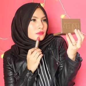 "Glam Look With Bold Lips Tutorial udah ada yaa di YouTube Channel : shaaullia ❤ or click link on bio, babes! Ps : this is the original pic without any filter, buat yang suka dengan makeup aku kali ini thank you so much 🙏 Product details :  @shuuemura Petal Skin Foundation 754 Medium Beige (It's tad too dark for my skintone) @revlonid Colorstay Aqua Mineral Makeup Light Medium @yslbeauty RPC The Mats 202 Rose Crazy @urbandecaycosmetics Flushed Palette ""naked"" @wetnwildbeauty Coloricon Brow Pencil Brunettes Do It Better & Pencil Eyeliner Nude @sleekmakeup I Divine Eyeshadow Palette ""Storm"" @bhcosmetics 6 White Brush Set @maybelline LashSensational Mascara @yslbeauty Radiant Touch Concealer 3.5 Luminous Almond @sephoraidn Kiss Me Lipbalm 02 Cotton Candy @shuuemura Cosmic Black Murakami Eyelashes Curler Kiss Me Heavy Rotation Eyeliner in Black @x2softlens Glam - Tourmaline  #FOTD #vlogger #beautyvlogger #bbloggers #indonesianbeautyblogger #fdbeauty #femaledaily #clozettedaily #clozetteid #starclozetter #youtuber #beauty #makeup #makeupturorial"