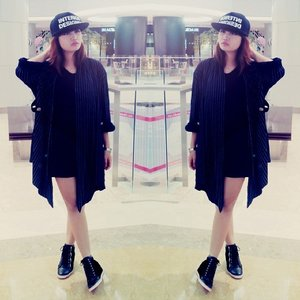 Snapback by @shoutcap Wedges sneakers by @adorableprojects