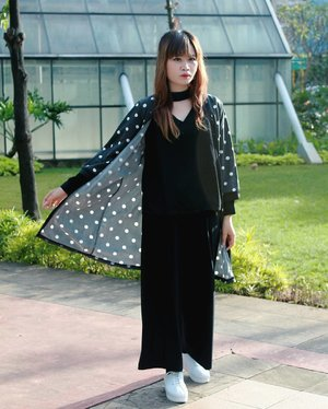 This is my #MonchromeLook for #SpreadingOutfitsChapter8  #whatiwear? - V-Neck Choker Top - Polkadot Cardigan - Long Cullote Pants - Hummels White Platform Shoes  Soooo.... How about your Monochrome Look?  Post your best Monochrome OOTD with hashtag #SpreadingOutfits #SpreadingOutfitsChapter8  #OOTDIndo #MonochromeLook Tag to @SpreadingOutfits Don't forget to follow @SpreadingOutfits  Get a SURPRIZE from Spreading Outfits for the best OOTD. . . . . . . #OOTDIndo #OOTD #clozette #clozetteid #cotw #lookbookindonesia #indonesiafashionlook #fashion #streetstyle #fashionstyle #lookbook #style #SmartOOTD #fashiongram #fashionblogger #streetstyle #ootdindonesia #outfitshare #outfitoftheday #BTIndFashion #Breaktimeid #ootdidku #indonesian_blogger