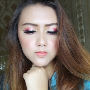 Ga tau mau namain ini look apa.. 😂😂😂 . Product used:  Face:  @clioindonesia pre step egg pore primer @absolutenewyork_id HD flawless foundation shade 03 beige @maybelline fit me concealer medium @dissy.id miracle face powder @pixycosmetics setting spray  EYES: @silkygirl_id hi definition brow liner shade 02 dark brown @lakmemakeup eyebrow shade brown @byscosmetics_id berries palette @makeoverid trivia eyeshadow golden espress @mizzucosmetics eyeliner pen black @silkygirl_id funky eyelights pencil shade pearl white @mobcosmetic luxury faux lashes seri drama queen @yslbeauty the shock mascara @nyxcosmetics_indonesia brow mascara  CHEEKS: @lakmemakeup illuminating shimmer brick shade 01 pink @absolutenewyork_id strobing and shading palette @clioindonesia pro dual controbing stick  LIPS: @vovmakeupid all day strong lip color  peach @makeoverid ultra hi matte shade 023 fantasy . . . . . . . . . . . . . . . . . . . . #clozetteid #khansamanda #beautynesiamember #bloggermafia #beautyblogger #makeupartist #youtuber #indobeautygram #ivgbeauty #nyxcosmeticsid #absolutenewyorkid #vovmakeupid #yslbeautyclub #lakme #silkygirlcosmetics #makeup #makeuplook #beautyjunkie #beautyguru #makeupaddict #tutorial #hudabeauty
