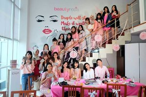 Had so much fun today with @beautynesiamember ! Thankyou @beautynesia.id for having mee 😘😘😘😘😘 #beautynesiamember #beautybloggerid #khansamanda #clozetteid #clozetteambassador #beautyvlogger #bblogger #bloggerperempuan #girls