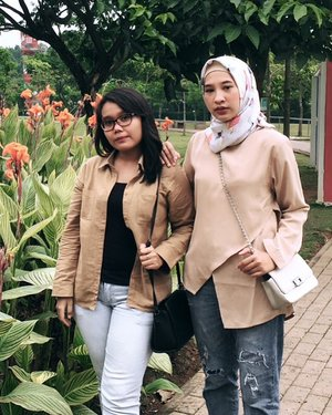 If you fell down yesterday, stand up today 👊🏼 *Gak janjian looh*-#ootd #ootdid #style #friend #clozette #clozetteid #girls #squad #IM3OoredooSquad #IM3OoredoSnap #hangout #garden #brown #jeans #slingbag #cheers #cheersforlife #travel #traveling #Indonesia #Photo #photography #like