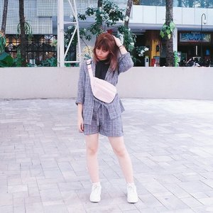 I've always wanted blazer set with shorts and was so glad when I finally found it! Wore it with white sneakers and fanny pack to get a casual look ✨ New #japobsOOTD post is up on #bigdreamerblog 💗 Click link in bio to read 🤗 . . . #clozetteid #fashionblogger #fashionblog #styleblogger #styleinspiration #fashiondiaries #ootdindo #lookbookindonesia #ggrep #streetstyle #ootd #fashiongram #패션 #패션스타그램 #오오티디 #스트리트패션 #今日のコーデ #今日の服 #コーデネート