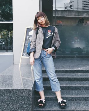 Yes, this jeans again! 😂 I'm all about character tees, denim, and outerwear. It's usually sneakers but not this time 🤣 #japobsOOTD . . . #clozetteid #fashionblogger #fashiondiaries #streetstyle #ootdindo #lookbookindonesia #cgstreetstyle #ggrepstyle #패션스타그램 #스트릿패션 #오오티디 #패피 #今日の服 #コーディネート #今日のコーデ