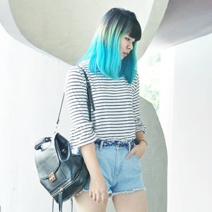 Blog updated: a new #outfit post after a while! 💙 Click link in bio for more #casuallook inspo 😁 . . . #clozetteid #ootdindo #lookbookindonesia #indofashionpeople #fashionbloggers #fbloggers #fashionblog #bbloggers #cgstreetstyle #looksootd #ombrehair #stylebloggers #今日の服 #ファション #コーデ #패피 #패션스타그램 #스트릿패션 #스트리트스타일 #패션모델 #패션 #얼짱 #패션블로거