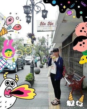 Add some fun stickers! Throw back when I was in Braga street, Bandung 🍦 . . . #clozetteid #travelbloggers #abmtravelbug #explorebandung #lifestylebloggers #fbloggers #bbloggers #bloggerindonesia #indonesianfemalebloggers #braga #bandung #idntravel #traveler #femaletravelers #kawaii #l4l #旅行 #뷰티블로거 #파워블로거 #여행 #여행스타그램 #여행자