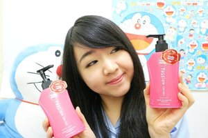 YUHUUU! Have you read my #review about La Rose Rouge passion Damaged Hair Shampoo and Conditioner & La Rose Rouge Angel Chaerubim on my #perfectbeautybox from @perfectbeauty_ID ?  Do you feel curious to know more about these products?  Visit #meisUniqueBlog (website: www.uniqueblogofmei.com ) or visit this link: bit.ly/perfectbeautybox for my #unboxingvideo 😊😊😊 . . . . . . #clozettedaily #larose #review #japaneseshampoo #perfectbeauty #beautybox  #kbbvmember #haircare #ibb #beautychannelid #beautynesiamember #JakartaBeautyBlogger #indonesianblogger  #laroserouge #hairshampoo #Indonesianfemalebloggers #clozetteID