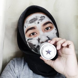 -Monday, 22 Januari 2018- Monday with a SUPERMUD® mask! Read review > bit.ly/glamglow-liana . #clozette #clozetteid #beautiesquad  #lianaekacom #beautybloggerid #bloggerperempuan #beautyreview #indonesiafemaleblogger  #glamglow #glamglowmask #supermud #acnefighting