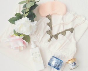 Weekend means pampering self with pretty sleepwear, comforting skincare, and soothing scented candles.  I bought the lingerie online at @asmaraku_id and really satisfied with their privacy service. Want to know more? Go down to my blog to read the review (link is in bio). Have a lovely weekend everybody 😘😘 #bloggerslife #lingerie #white #sweet #lovely #sleepwear #asmarakureviewcompetition #bloggerceria #potd #bestoftheday #instadaily #kawaii #happyweekend #pamperingmyself #clozetteid #clozetteco