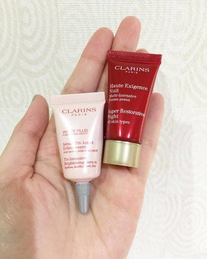 #poshplushsamplereview today is about two Clarins products: 🌸 White Plus Tri-Intensive Brightening Serum 🌸 Super Restorative Night Cream . . I used these products for around one week, so the review based on my experience during that week. The serum, although has a light texture and smells lovely, did not give the brightening effect that I expected. Usually I expected a brightening serum to at least evens out my skin tone if not brightens my complexion. But with this serum, my skin stays at status quo 😬 .  The night cream also did not do much except for giving standard hydration. No significant effect since the first time application. The scent a bit of orchid like and I prefer the scent of the serum better because it's more refreshing. The texture is more on to the balmy side instead of creamy, so it did not easily slipped or melted on your face. Less greasy too. .  Will I buy the full size? I supposed not because I have experienced other products that works better on my skin.  #skincare #skincareroutine #skincaretalk #skincarereview #samplereview #beautyblogger #beautyaddict #beautygram #beautybloggerid #bloggerceria #clozetteid
