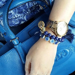 Shade of blue#coach #totemjewelry #bracelet #tods #bag #blue #indigo #chinablue #armparty #armcandy #armswag #clozetteid #clozetteaccessories #COTW