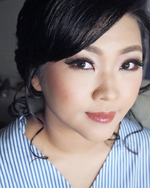 Makeup for talented artist @melisasumali  Makeup by @shelleyssebastian  HairDo by @nandazaenal  #makeup #beauty #shelleymuc #surabaya #makeupartist #mua #shelleymakeupcreation #beforeafter #clozetteID #makeover #muasurabaya #muaindonesia #hairdo #soft #softmakeup #beautifulgirl #softsmokey #glammakeup #glamourmakeup #makeupartistsurabaya #surabayamakeupartist #correctivemakeup