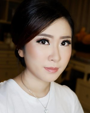 Makeup by @shelleymuc @shelleyssebastian HairDo by @wendywidiarusso  #makeup #beauty #shelleymuc #surabaya #makeupartist #mua #shelleymakeupcreation #beforeafter #clozetteID #makeover #muasurabaya #muaindonesia #hairdo #soft #softmakeup #beautifulgirl #softsmokey #glammakeup #glamourmakeup #makeupartistsurabaya #surabayamakeupartist #correctivemakeup