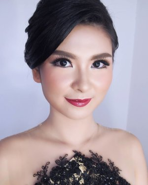 Engagement Makeup for @stellaapatricia  Makeup by @shelleymuc  HairDo by @rendynjoo  #makeup #beauty #shelleymuc #surabaya #makeupartist #mua #shelleymakeupcreation #beforeafter #clozetteID #makeover #muasurabaya #muaindonesia #hairdo #soft #softmakeup #beautifulgirl #softsmokey #glammakeup #glamourmakeup #makeupartistsurabaya #surabayamakeupartist #correctivemakeup #engagement #engagementmakeup #putustella