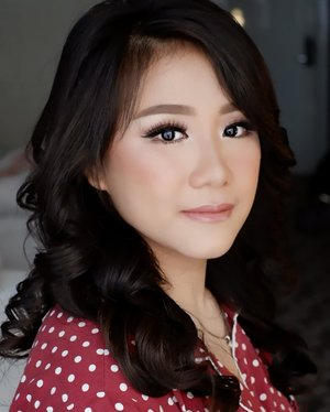 Makeup for IKA  Makeup and HairDo by @shelleymuc @shelleyssebastian  #makeup #beauty #shelleymuc #surabaya #makeupartist #mua #shelleymakeupcreation #beforeafter #clozetteID #makeover #muasurabaya #muaindonesia #hairdo #soft #softmakeup #beautifulgirl #softsmokey #glammakeup #glamourmakeup #makeupartistsurabaya #surabayamakeupartist #correctivemakeup