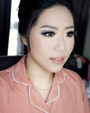 Smokey eyes by request  Makeup by @shelleymuc @shelleyssebastian HairDo by @wendywidiarusso  #makeup #beauty #shelleymuc #surabaya #makeupartist #mua #shelleymakeupcreation #beforeafter #clozetteID #makeover #muasurabaya #muaindonesia #hairdo #soft #softmakeup #beautifulgirl #softsmokey #glammakeup #glamourmakeup #makeupartistsurabaya #surabayamakeupartist #correctivemakeup